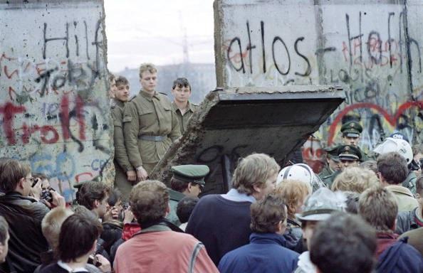 crollo-muro-di-berlino.jpg